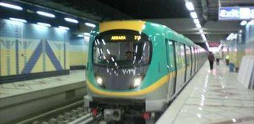 أحد قطارات مترو أنفاق الخط الثالث بمصر الجديدة