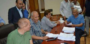 انتخابات النقابات العمالية في الإسكندرية.. وتأخر بعض اللجان عن العمل
