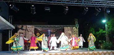 فرقة الأنفوشى للفنون الشعبية خلال عرضها بمسرح ثقافة مطروح