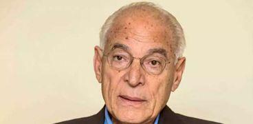 الدكتور فاروق الباز عالم الفضاء المصري