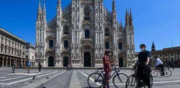 إيطاليا:حظر التنقل بين المناطق المحلية خلال عيد الميلاد لاحتواء كورونا
