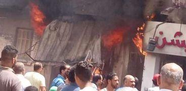 حريق هائل في أحدي المحال التجارية غرب الإسكندرية