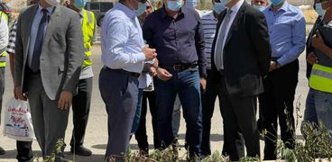 وزير الإسكان يتفقد مشروع الحدائق المركزية ومحور بن زايد بـ«الإدارية»