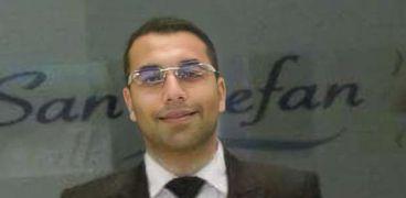 الدكتور محمود مرسي، المدرس بقسم الكيمياء في كلية العلوم جامعة الإسكندرية