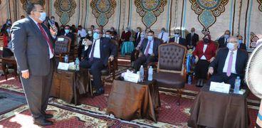 رئيس جامعة حلوان يرفع علم مصر خلال فعاليات حفل استقبال الطلاب الجدد والقدامى للعام الجامعي