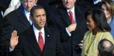 أوباما يؤدي القسم