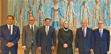 وزيرة الهجرة تستعرض الاستعدادات النهائية للمشاركة المصرية باكسبو 2020 بدبى