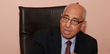"""رئيس شعبة الأدوية: طلبات تصدير عقار كورونا """"واردة"""" لكن المواطن أولا"""
