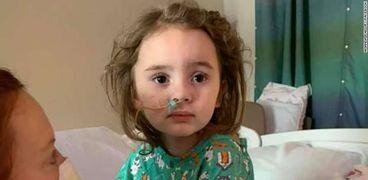 الطفلة الأمريكية المصابة بالعمى