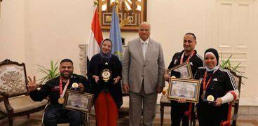جانب من تكريم محافظ القاهرة للأبطال