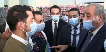 وزير التموين يستمع لشكوي عبد الرازق ومصطفي