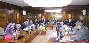 وزير التعليم العالي خلال اجتماع المجلس الأعلي للجامعات