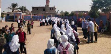 نقل طالبات مدرسة الإعدادية بنات للمعهد الدينى ببهبشين