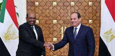 الرئيس عبدالفتاح السيسي والرئيس عمر البشير