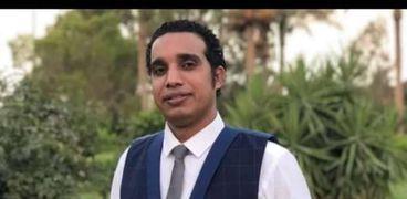 محمود زيدان الكاتب الصحفى بالاهرام المسائى
