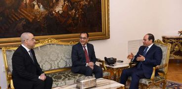 اجتماع الرئيس ورئيس الوزراء وعاصم الجزار وزير الإسكان