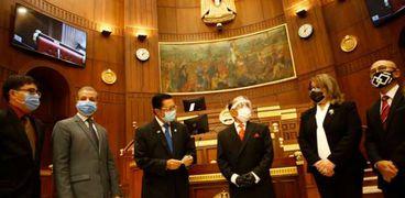 رئيس الشيوخ يستقبل وفدًا برلمانيًا إندونيسيًا