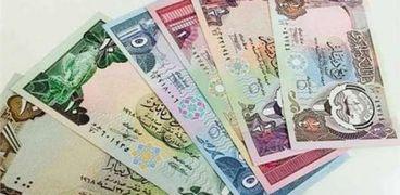 سعر الدينار الكويتي اليوم في البنوك