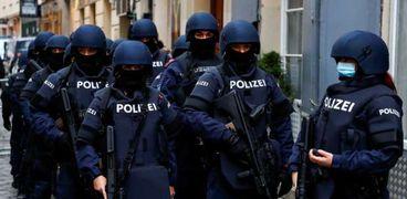 عناصر من الشرطة النمساوية