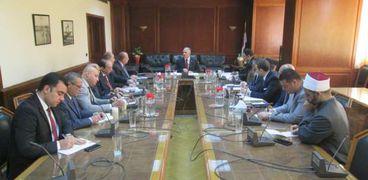وزير الموارد المائية والرى يرأس الإجتماع الاول للجهات المعنية بتنظيم موسم الحج