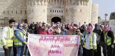المحاربات خلال زيارتهن لقلعة قايتباى بالإسكندرية