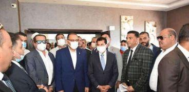 وزير الشباب والرياضة يفتتح المبنى الإداري بنادي الصفوة الرياضي