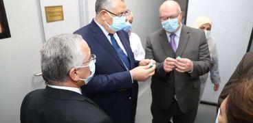 وزير الزراعة يتفقد وحدات الإنتاج في معهد الأمصال واللقاحات البيطرية