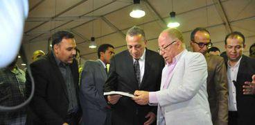 وزير الثقافة ومحافظ الجيزة بمعرض الكتاب