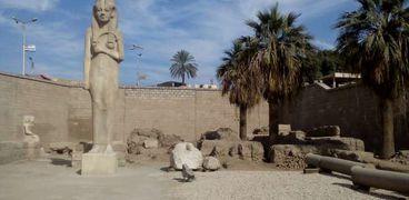 الجزء الظاهر من معبد رمسيس فى سوهاج