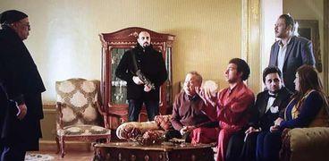 منير مكرم ضيف الحلقة الـ13 من مسلسل عمر ودياب