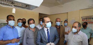 نائب محافظ سوهاج يتفقد مستشفى دار السلام المركزي ووحدتين صحيتين