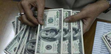 أسعار الفائدة على شهادات الادخار بالدولار الأمريكي