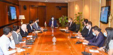 وزيرة الهجرة تبحث دعم حقوق مصر المائية مع الدراسين بالخارج
