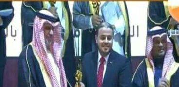 معلم مصري يحصل علي جائزة التميز بين 17 ألف متسابق في السعودية