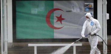 تعقيم محطات النقل الجماعي في الجزائر