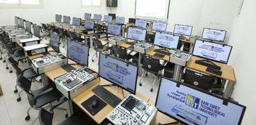 معامل الكلية المصرية الكورية