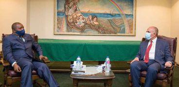 وزير الري ونظيره الكونغولي
