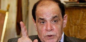 الدكتور صلاح فوزي استاذ القانون الدستوري