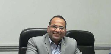 الدكتور محمد شفيق الأمين العام لنقابة الأطباء البيطريين