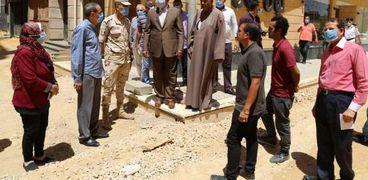 محافظ السويس يتفقد تطوير ميدان مصر ومنطقة المحروسة