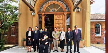 سفير مصر فى بريتوريا أثناء مشاركته الكنيسة المصرية فى عيد الميلاد المجيد