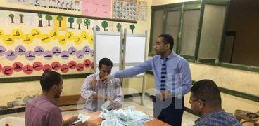 اللجنة العامة بأسوان تتلقى نتائج فرز الأصوات بقاعة عروس النيل بأسوان