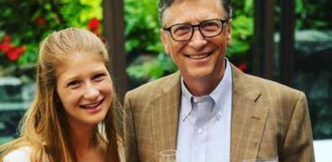 بيل جيتس وابنته جينيفر