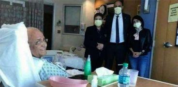 عريقات في المستشفى