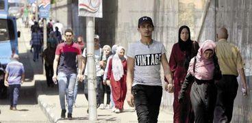 زحام لا ينقطع بالقرب من جامعة عين شمس