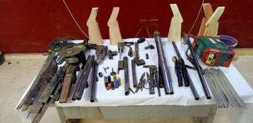 ورشة لصنيع الأسلحة النارية
