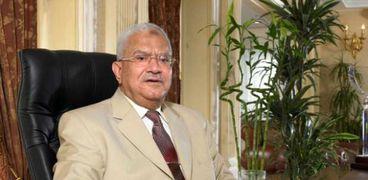 رجل الأعمال محمود العربي