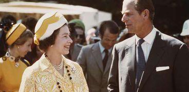 الأمير فيليب مع زوجته الملكة إليزابيث