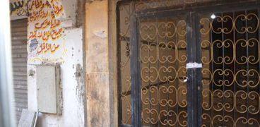 توصية بإزالة العقار المائل بمصر القديمة على الفور