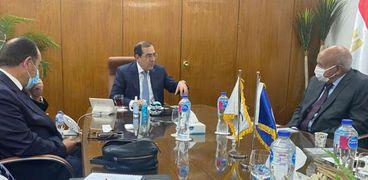 وزير البترول يستقبل رئيس شركة جيوشى موتورز